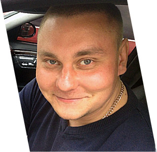 Максим - менеджер отдела продаж